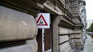 Četru Rīgas graustu īpašniekiem uzdod sakārtot ēkas, pretējā gadījumā solot sodus
