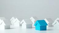 Apstiprina plānu ar nepieciešamajiem pasākumiem dzīvojamā fonda uzlabošanai