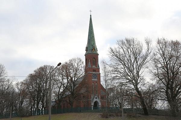 """Astoņas Latvijas baznīcas saņems finansējumu konkursa """"Latvijas sakrālais mantojums"""" ietvaros"""
