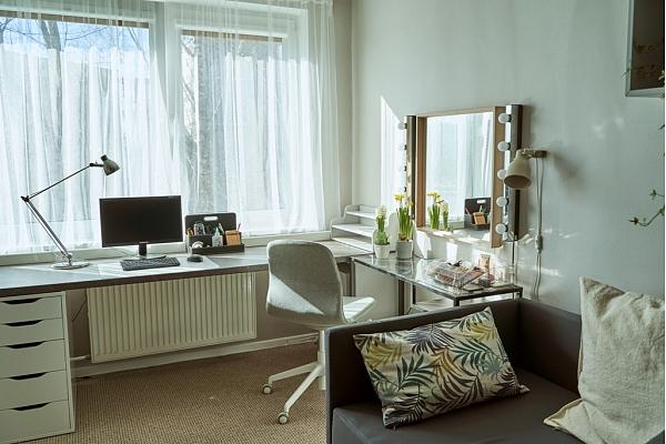 Kā pāris dienās pilnībā pārveidot novecojušu dzīvokli? Iedvesmas stāsts