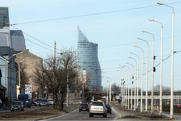 Par 800 000 eiro izbūvēts Mūkusalas un Dēļu ielu krustojums