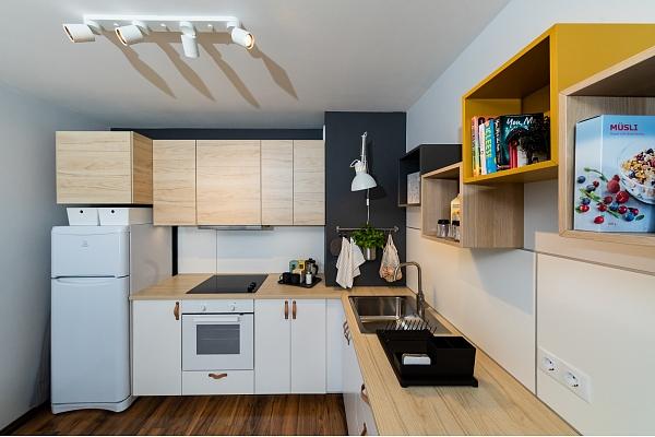 Kā atjaunot virtuves interjeru, ietaupot naudu un saudzējot dabu? Iesaka dizainere