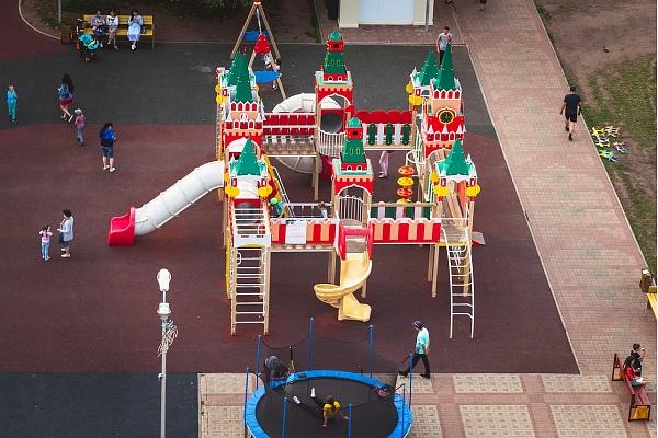 Veicinās bērnu drošību spēļu laukumos