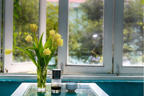 10 idejas, kā radīt pavasara noskaņu mājoklī
