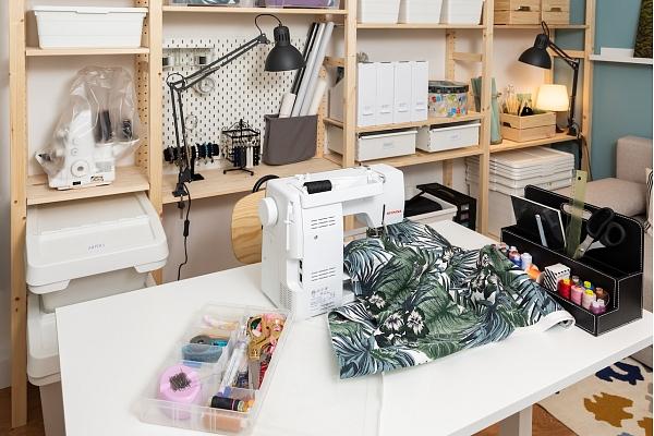 Kā mājās iekārtot telpu hobijam? Iesaka interjera dizainere