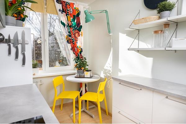 Kā uzlabot mazu virtuvi un vienmēr uzturēt to kārtībā?