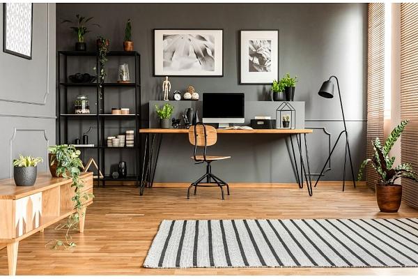 Kā paša spēkiem izveidot ideālu mājas biroju? Iesaka interjera dizainere