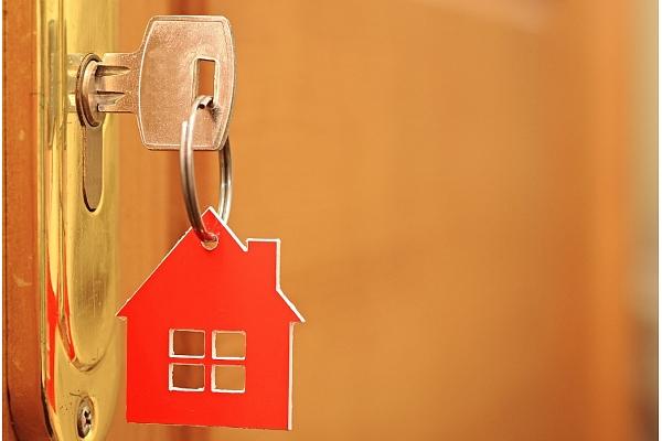 Ieziemo vasarnīcu: Padomi, kā sagatavot īpašumu ilgstošai prombūtnei (VIDEO)