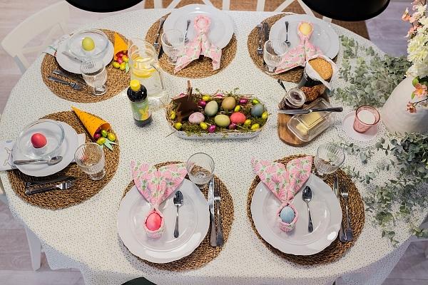 Lieldienu galds: 3 svarīgas sastāvdaļas skaistam galda klājumam