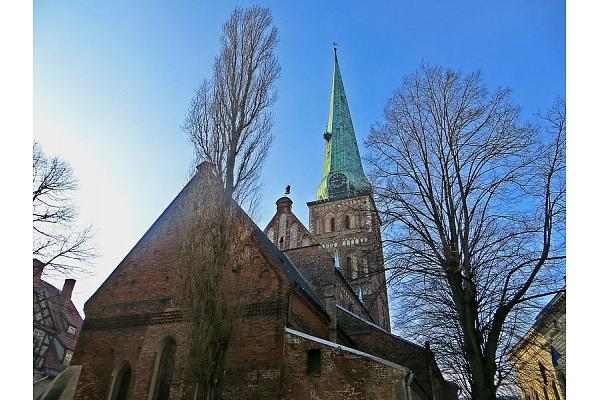 Romānika arhitektūrā: Vēsture un mūsdienās izcilākie piemēri Latvijā