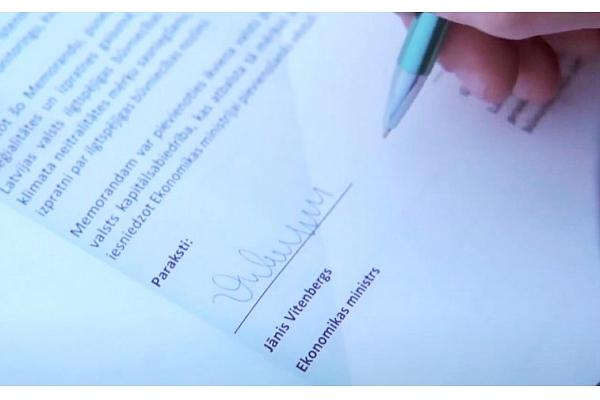 Parakstīts Sadarbības memorands par koka izmantošanas būvniecībā veicināšanu (VIDEO)