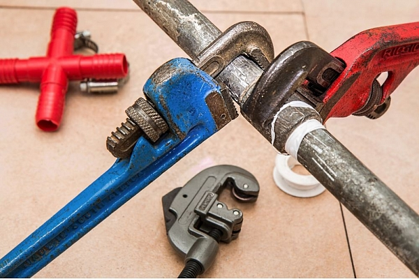 Pieci remontdarbi, kurus nepieciešams uzticēt meistaram