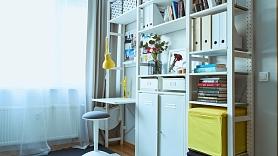5 soļi, kā mājās izveidot vietu produktīvam darbam