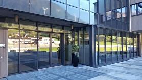 Alumīnija konstrukcijas – logi un durvis, stiklotās fasādes, ziemas dārzi, PVC logi un citi produkti – tā ir AMG montāža