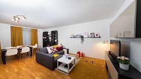 Dzīvojamā istaba: Kā vienā telpā apvienot vairākas funkcijas dažādām vajadzībām?