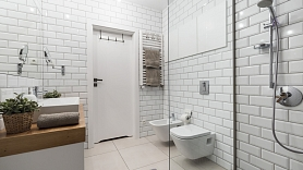 Iebūvējamā santehnika stilīgam vannas istabas interjeram: Plusi un mīnusi