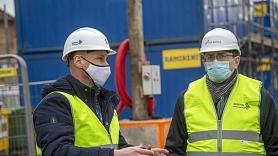 """Satiksmes ministrs pārliecinās par Rīgas Centrālās stacijas darbību """"Rail Baltica"""" būvdarbu laikā"""