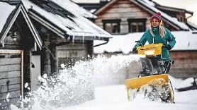 Atbrīvo piemājas celiņus un kāpnes no sniega laicīgi