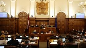 Deputāti vērtēs piedāvājumu būvniecības pakalpojumiem, elektroniskajām ierīcēm un metālizstrādājumu piegādēm piemērot reverso PVN