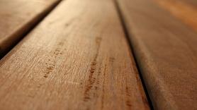 Kādi ir grīdas segumu veidi?