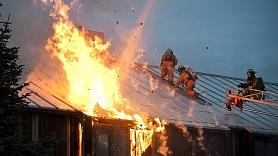 Pētījums: Modernās ēkās atklāta liesma izplatās piecas reizes ātrāk