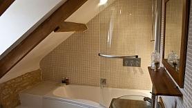 Remonts vannasistabā: piecas alternatīvas flīžu grīdai