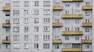 """""""Swedbank"""": Arvien vairāk iedzīvotāju lemj par labu mājokļa iegādei"""