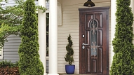 Kāpēc vērts izvēlēties metāla durvis savam mājoklim?