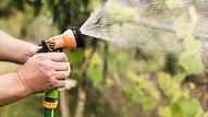 Dārza šļūtene vai automātiskā laistīšanas sistēma: Kā piemeklēt atbilstošāko?