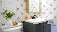 Tapetes vannas istabā: Cik tas ir reāli un ko ņemt vērā?