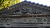 Balvu novadā par 50 000 eiro restaurēta Bēržu kapu kapliča