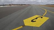 """Viļņas lidostā nakts stundās """"A.C.B."""" sācis sagatavošanās darbus plānotajai skrejceļa rekonstrukcijai"""