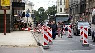 Jakrins: Ielu remonti Rīgā iekavējušies komunikāciju izbūves un būvnieku vainas dēļ