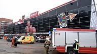 """BVKB: Tirdzniecības centru """"Jugla"""" aizliegts atvērt, kamēr nebūs novērsta ugunsgrēkā skarto konstrukciju bīstamība"""