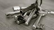 7 nedārgi veidi, kā pasargāt savu mājokli no zādzībām