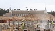 Līdz ziemai plāno pabeigt Mežaparka estrādes skatītāju daļas betonēšanas darbus