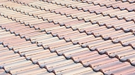 Jaunmārupes pamatskolas baseina ēkas jumta konstrukcijas gatavi labot divi pretendenti