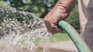 Kā ietaupīt ūdeni, laistot dārzu