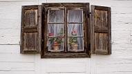 Kā izveidot foto rāmi no veca loga?