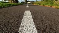 Kāds asfalts atrodas uz Latvijas autoceļiem?
