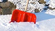Viegla, ērta un izturīga: Kādai jābūt uzticamai sniega lāpstai?