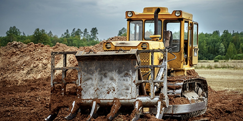 Bulldozer and excavator services