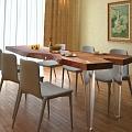 Ozolkoka un citu cēlkoku galdi