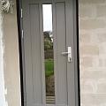 Durvis ar stiklu