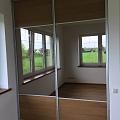 Iebūvējamais skapis ar bīdāmām durvīm