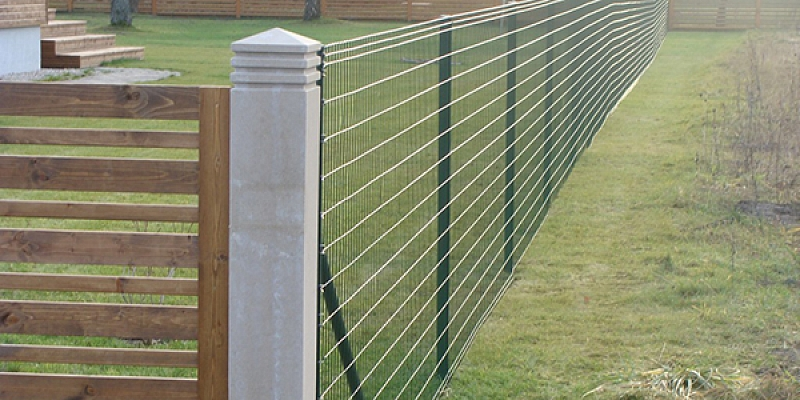 Wooden fences, wire fences